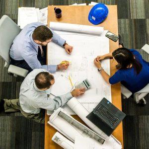 coaching-feedback-informacja-zwrotna-kompetencje-pracownika-rozwój-pracownika-on-the-job-training-motywowanie-pracowników-kurs-szkolenie-motywacja